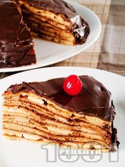 Вкусна палачинкова торта с пълнеж от шоколадов крем и банани - снимка на рецептата